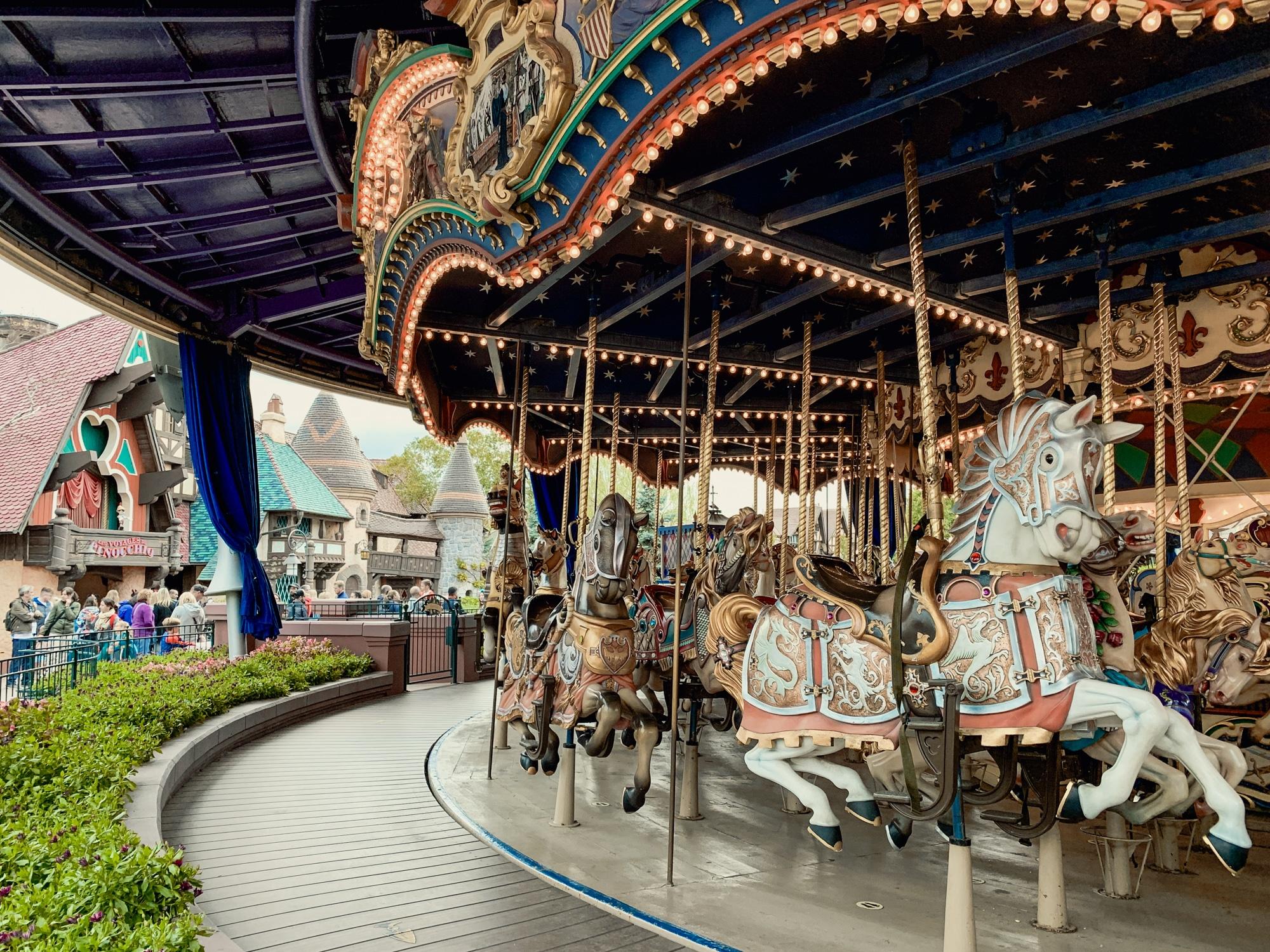Disneyland Paris Tipps: 10 tolle Hacks für den glücklichsten Ort der Welt - Karussell
