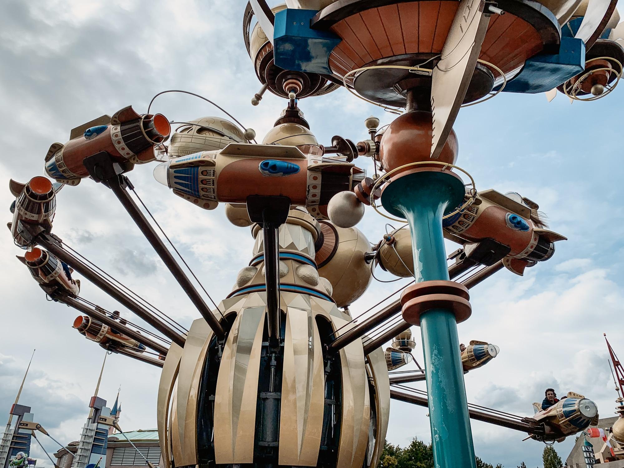Disneyland Paris Tipps: 10 tolle Hacks für den glücklichsten Ort der Welt - Tomorrowland