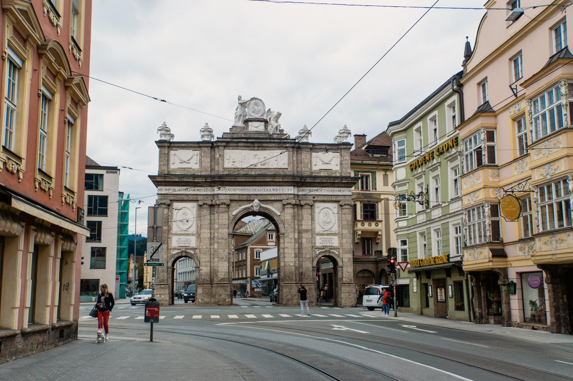 Innsbruck Sehenswürdigkeiten: Top Ten Highlights und Tipps für die Stadt - Triumphpforte