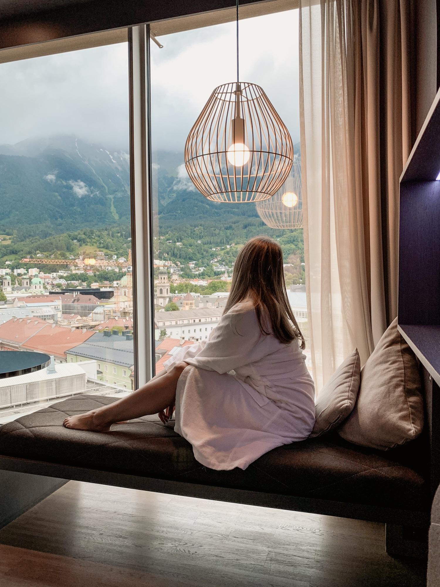 Innsbruck Sehenswürdigkeiten: Top Ten Highlights und Tipps für die Stadt - Adlers Hotel Aussicht Zimmer