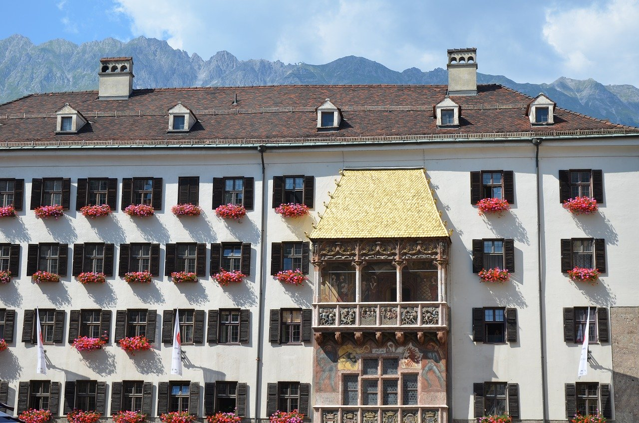 Innsbruck Sehenswürdigkeiten: Top Ten Highlights und Tipps für die Stadt - goldenes Dachl