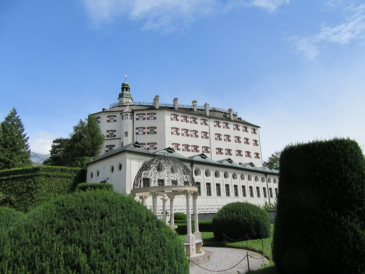 Innsbruck Sehenswürdigkeiten: Top Ten Highlights und Tipps für die Stadt - Schloss Ambras