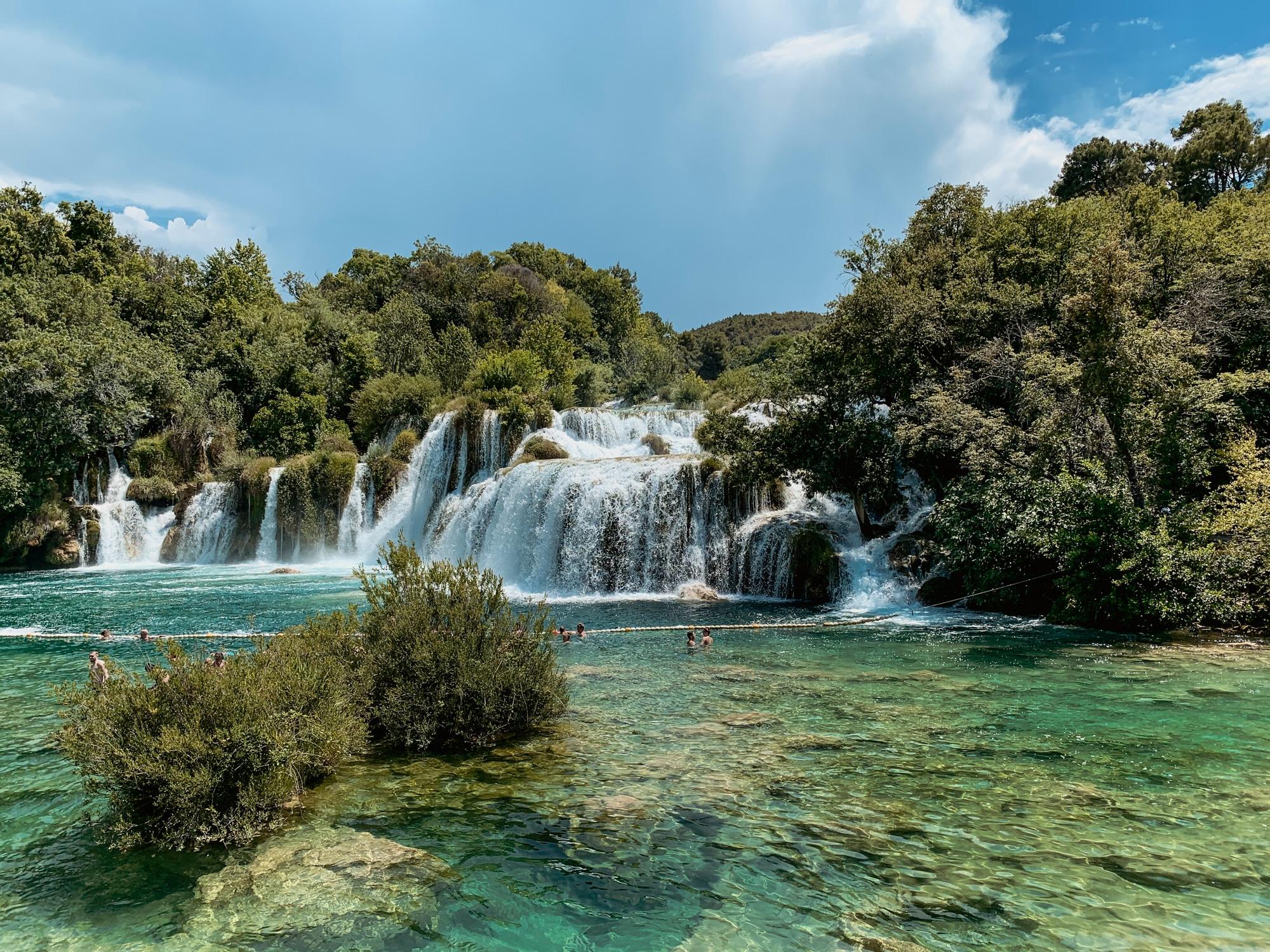 Krka Nationalpark: Tipps, Sehenswürdigkeiten und die Highlights im Park - Baden im Skradinski Buk