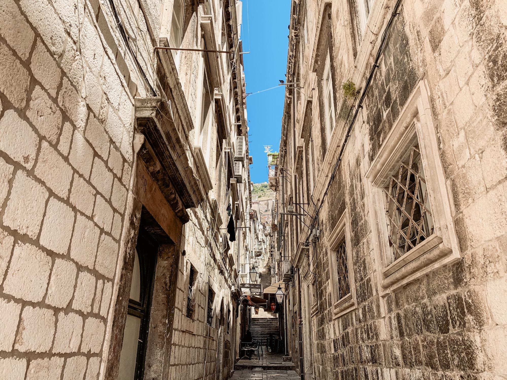 Dubrovnik Sehenswürdigkeiten Top 10: Meine Highlights und Tipps - Altstadt enge Gassen