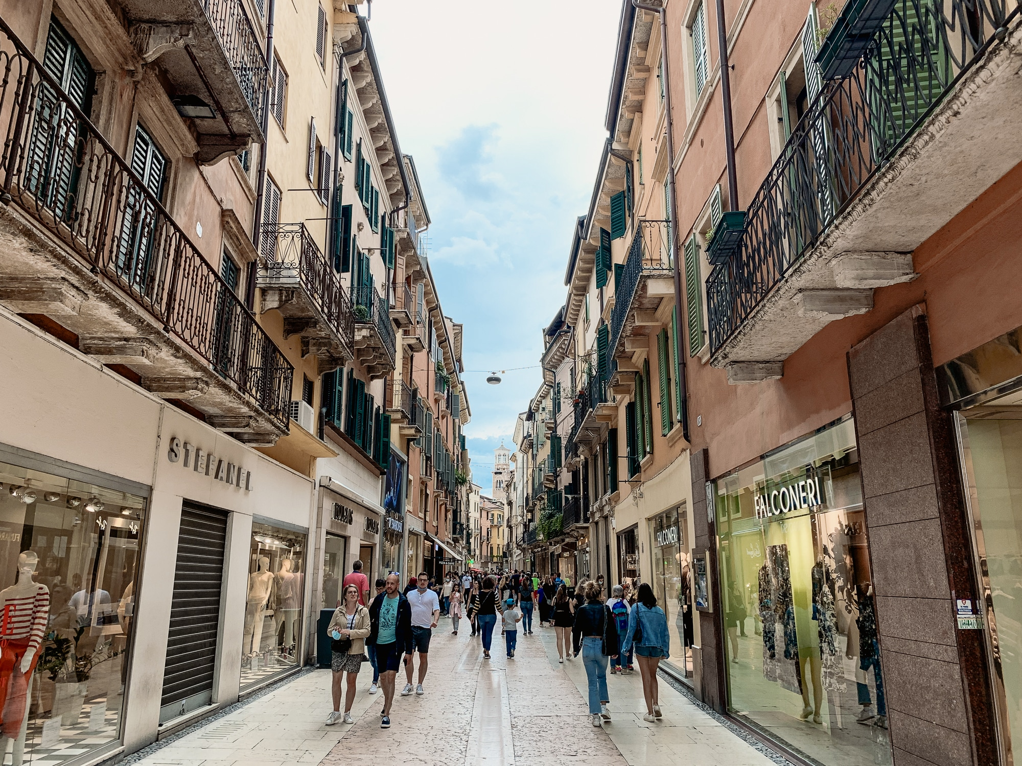 Verona Sehenswürdigkeiten - Einkaufsstraße
