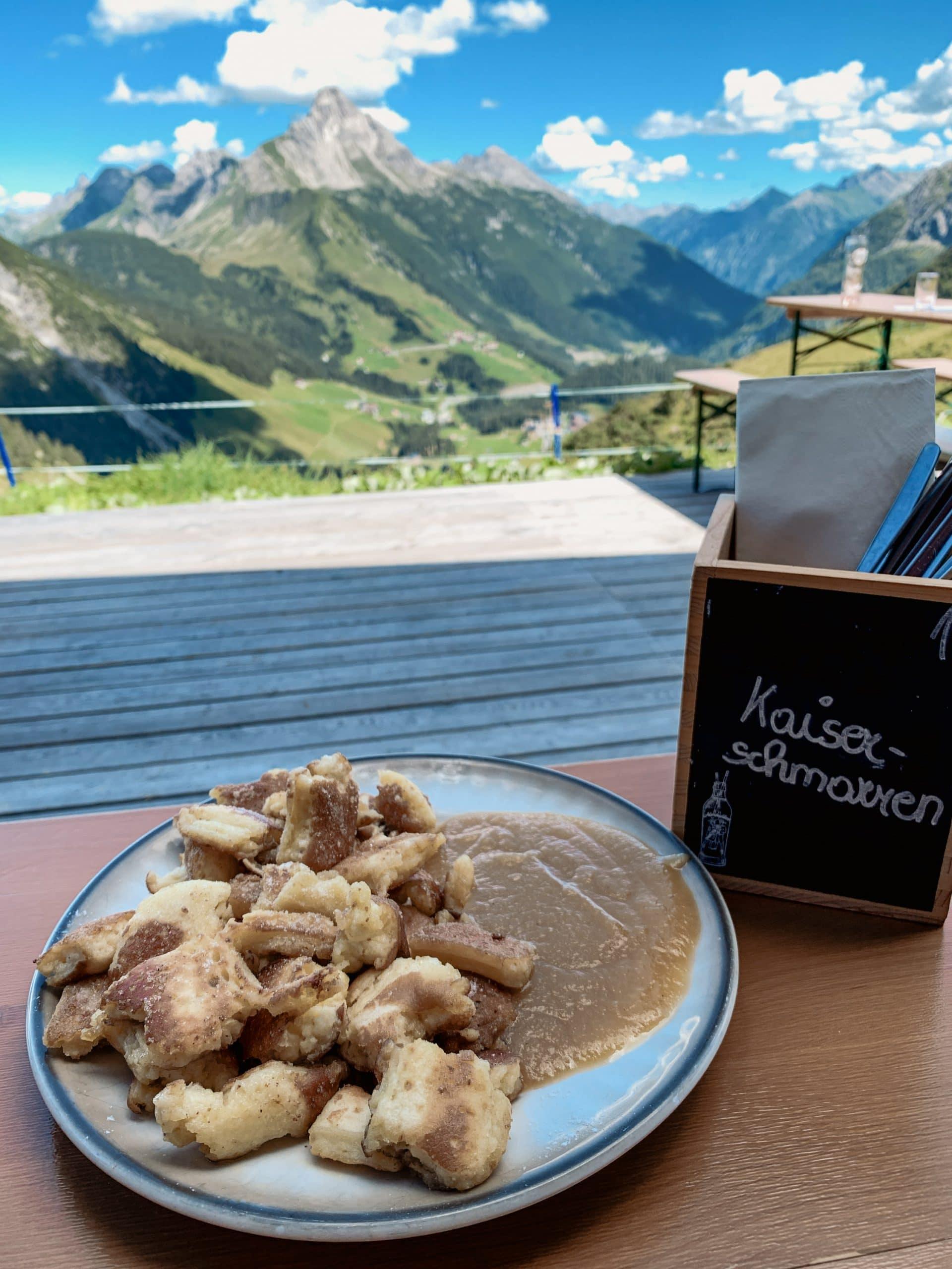 Warth-Schröcken: Outdoor Big 5, schönste Wanderungen und alle Tipps - Steffisalp Punschhütte Kaiserschmarrn