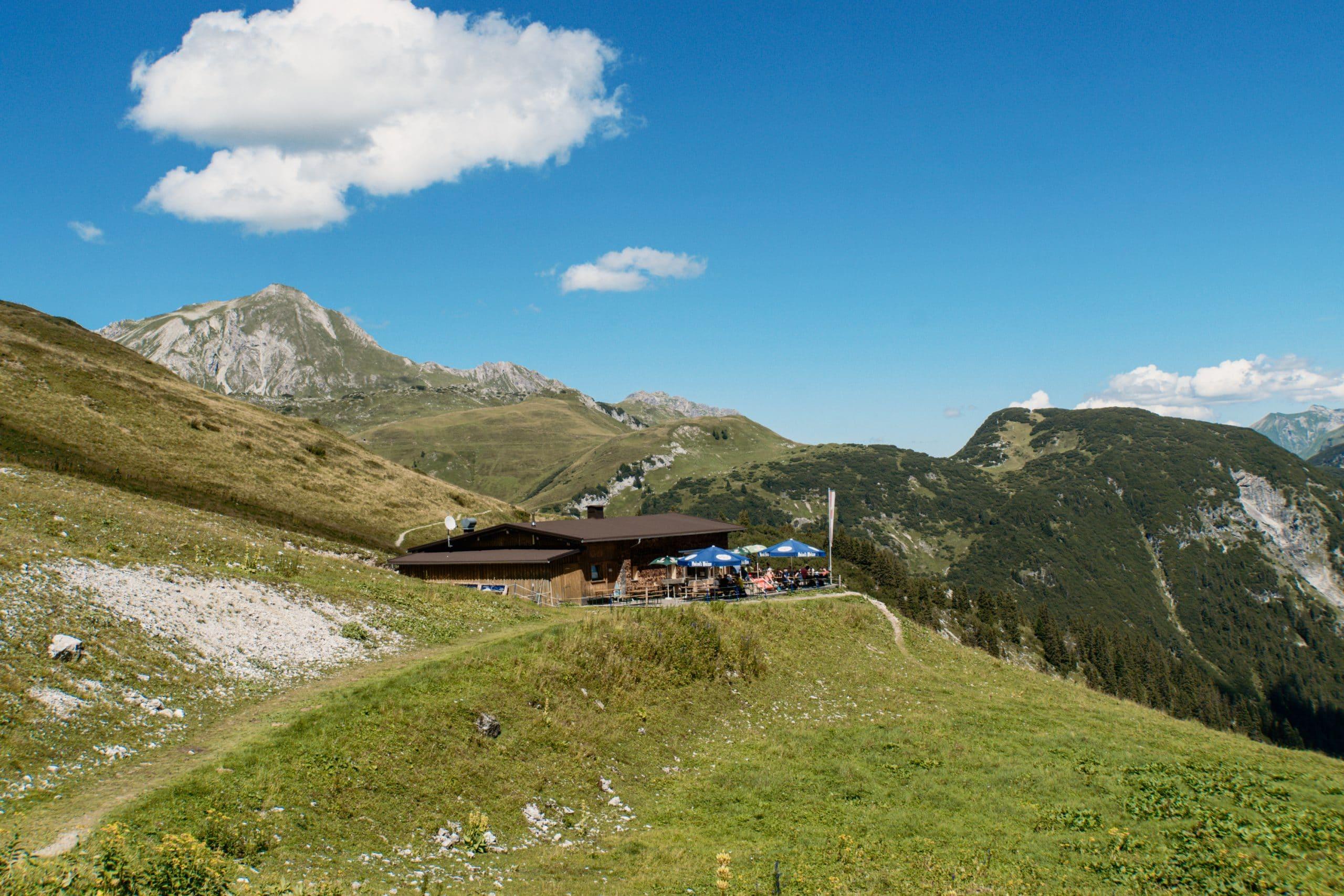 Warth-Schröcken: Outdoor Big 5, schönste Wanderungen und alle Tipps - Steffisalp Punschhütte