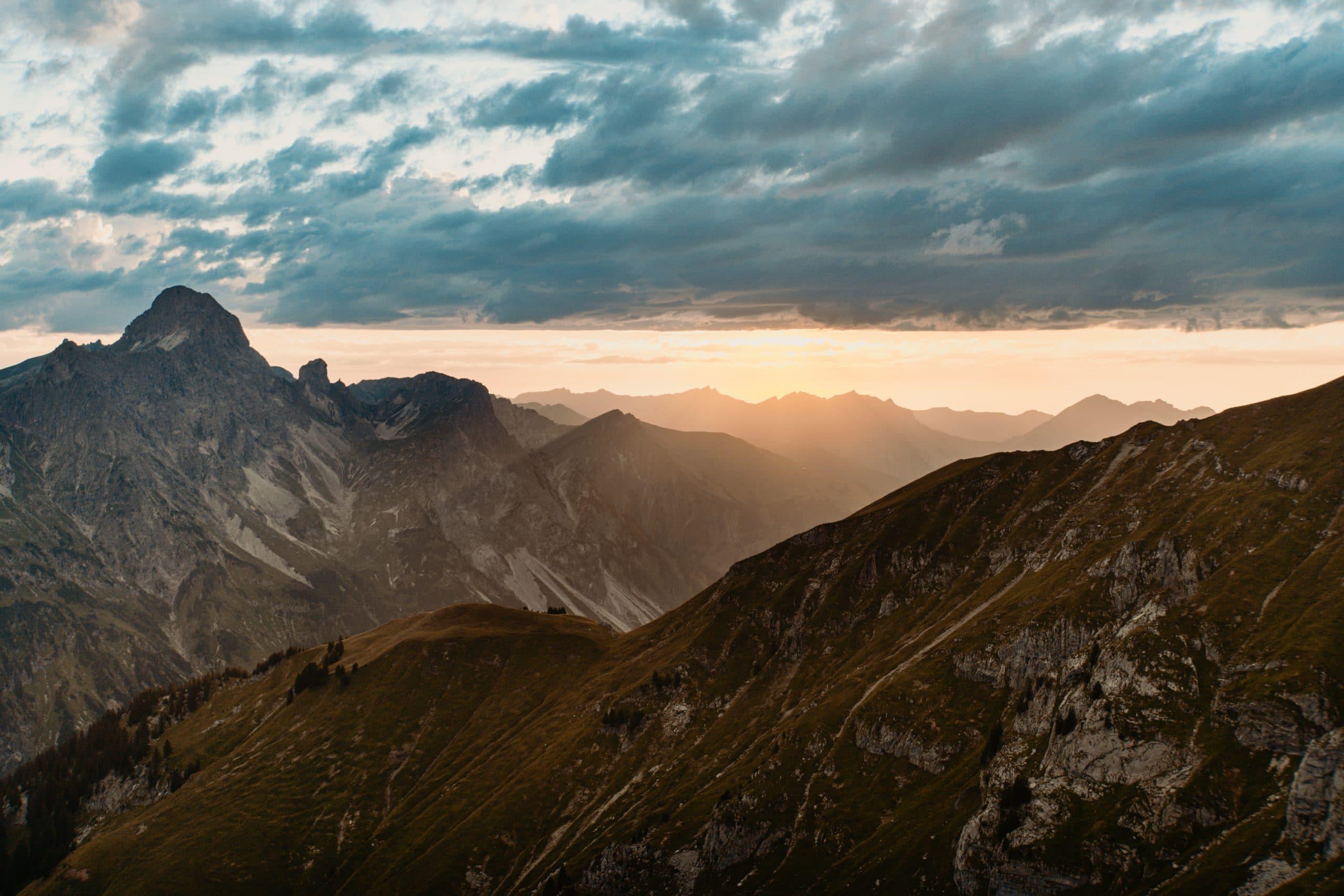 Warth-Schröcken: Outdoor Big 5, schönste Wanderungen und alle Tipps - Sunset Hike Sonnenuntergangswanderung Höferspitze