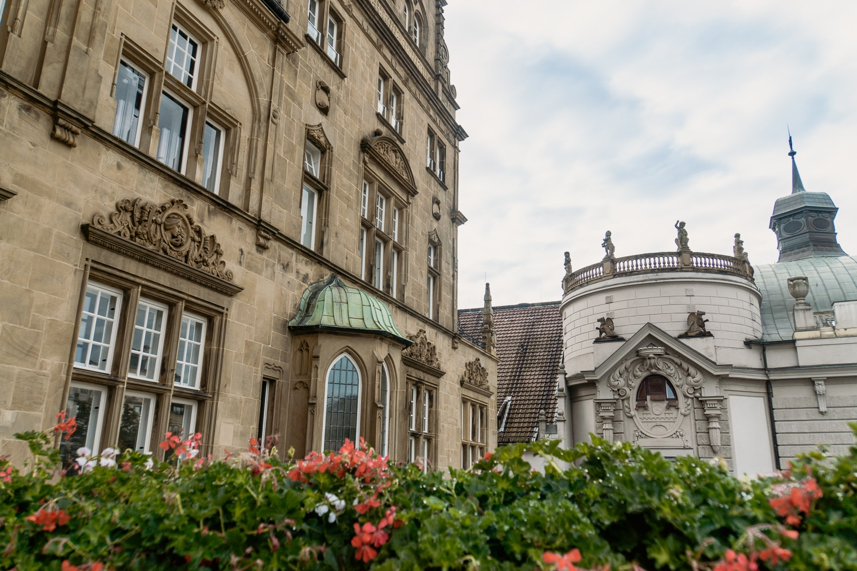 Bielefeld Sehenswürdigkeiten: Highlights der Stadt in Ostwestfalen-Lippe - Altes Rathaus Aussicht Balkon
