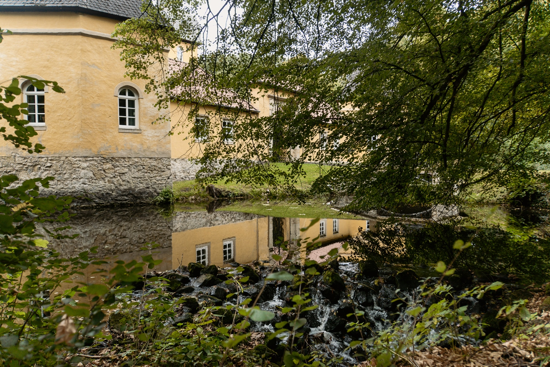 Schlossweg in Verl: Mein Tipp zum Wandern im Teutoburger Wald - Jagdschloss Holte