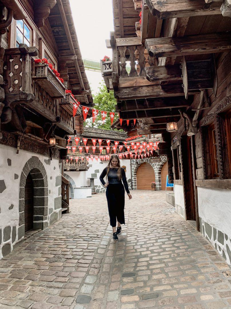 Europa-Park Tipps: 10 Hacks zur Vorbereitung auf den Parkbesuch - Schweiz Schweizer Bergdorf