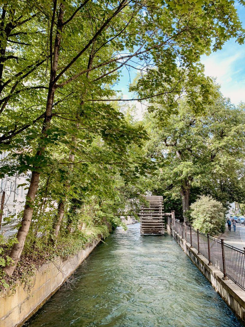 Augsburg Sehenswürdigkeiten: Historische Altstadt Wasserrad Mittlerer Lech