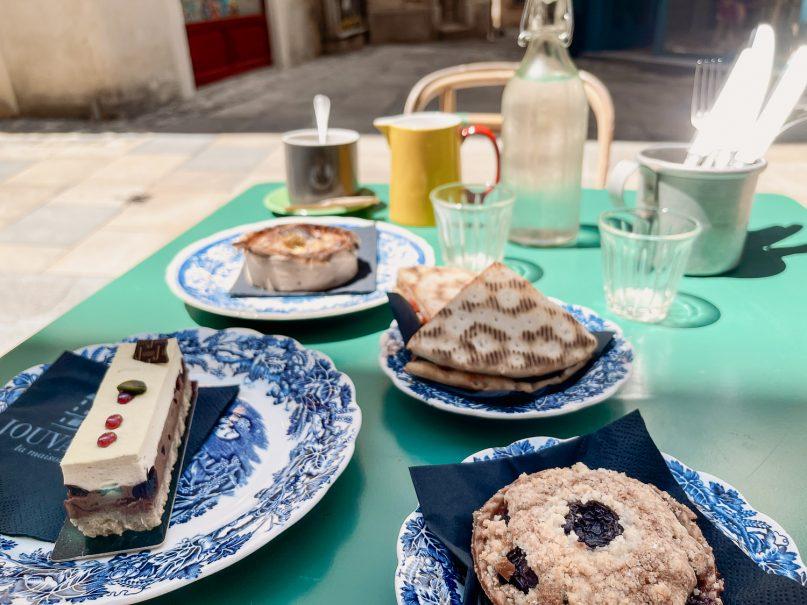Carpentras: La Maison Jouvaud Café
