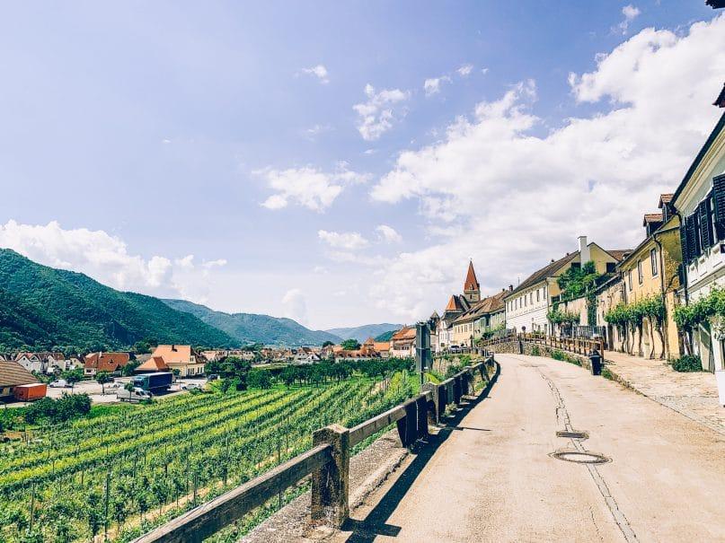 Niederösterreich Urlaub: Donauregion auf dem Donauradweg durch Dürnstein