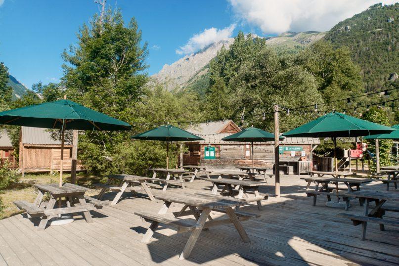 Huttopia Erfahrungen: Campingplatz Vallouise Gemeinschaftsbereich