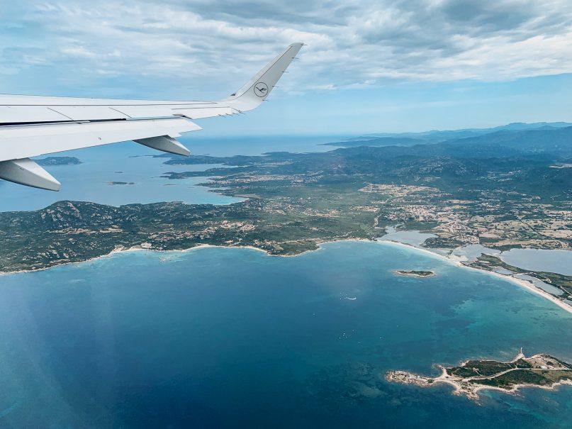 Anflug auf den Olbia Flughafen, Sardinien