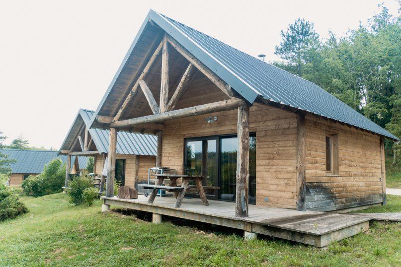 Village Huttopia Sud Ardeche Holzhütten