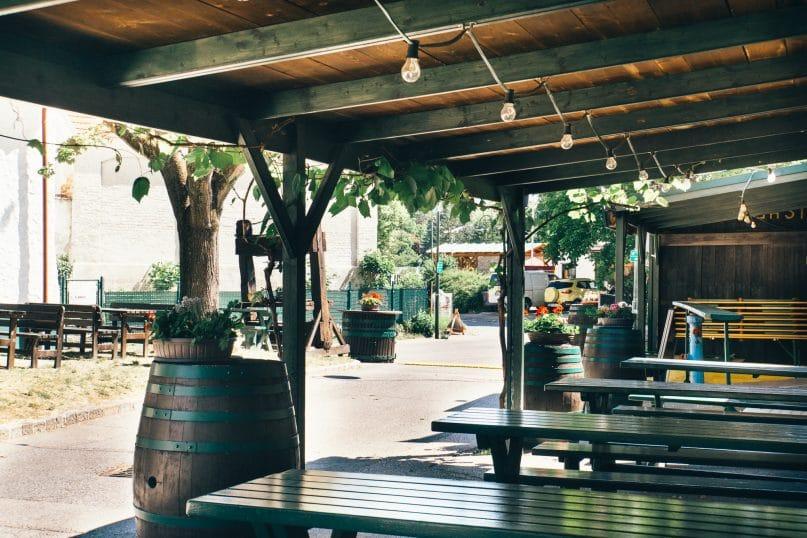 Niederösterreich Reise: Weinviertel Heurigen Veltlinerhof in Poysdorf