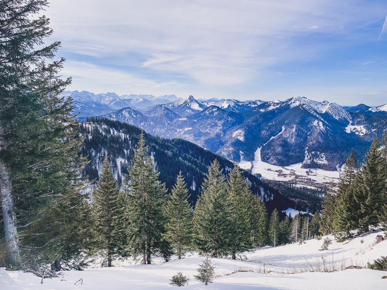 Wallberg Gipfel im Winter - schönste Wanderungen in München und Umgebung